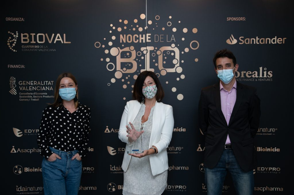 EQUIPO NEVAL entrega premios